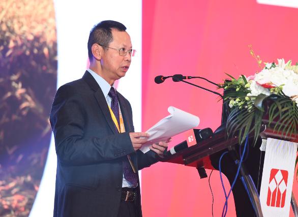 吴祖芳:积极引领和推动大宗商品衍生品市场发展