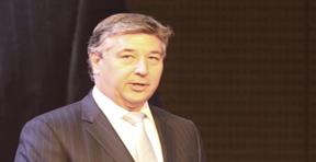 美国商品期货交易委员会首席运营官迈克尔・吉尔