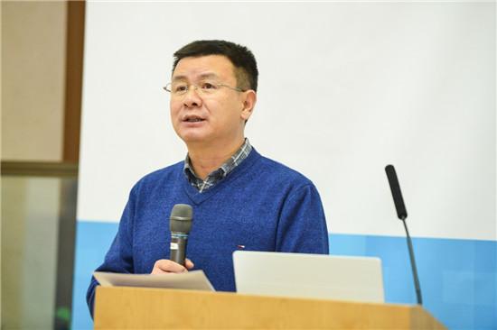 北京大学新媒体研究院院长谢新洲