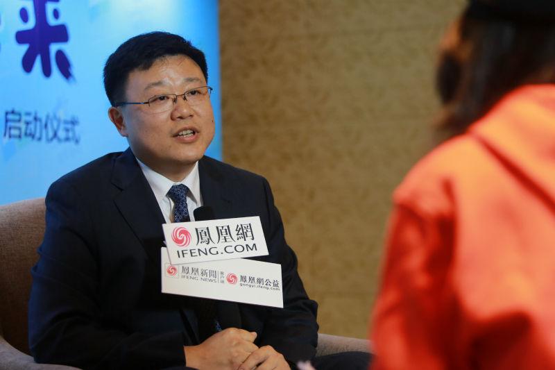 凤凰网公益专访中英人寿总裁俞宁:开启儿童心智,将科技带进大山