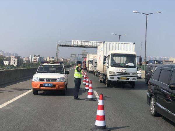 广深高速东洲河大桥抢修 遇堵请绕行