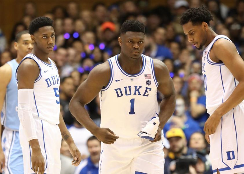 一双耐克鞋值10多亿美金?还没进NBA的Zion为啥这么大能耐