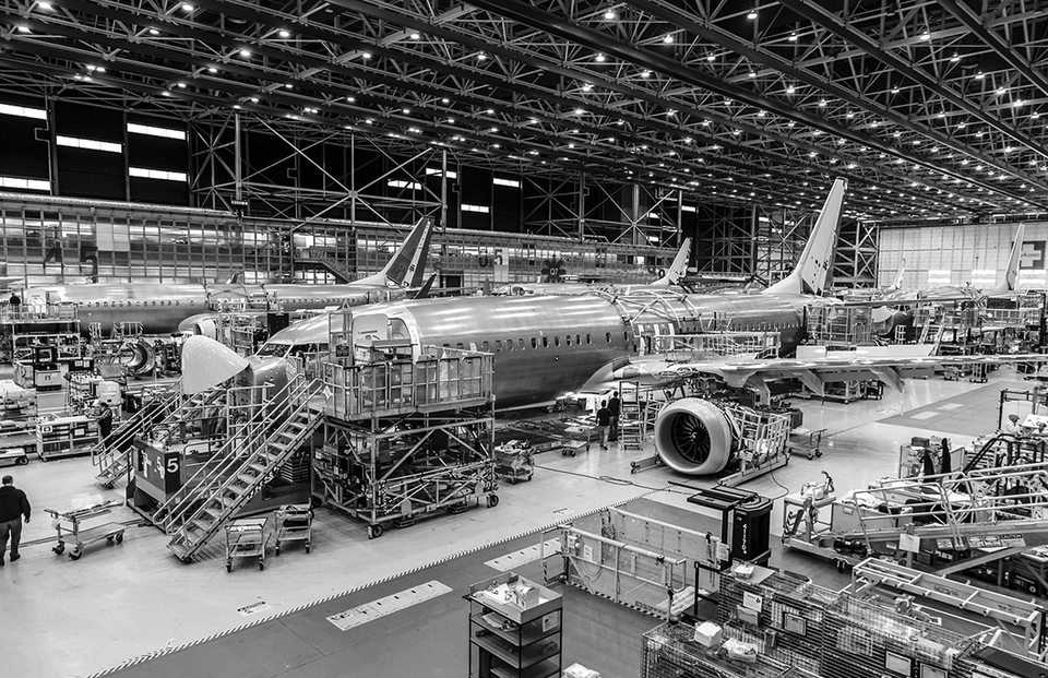埃航空难一个月后的波音:市值蒸发逾两千亿、737MAX整月无订单……