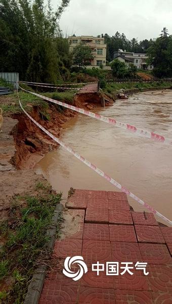 雷暴强对流突袭广东龙川 山体滑坡农田积水严重