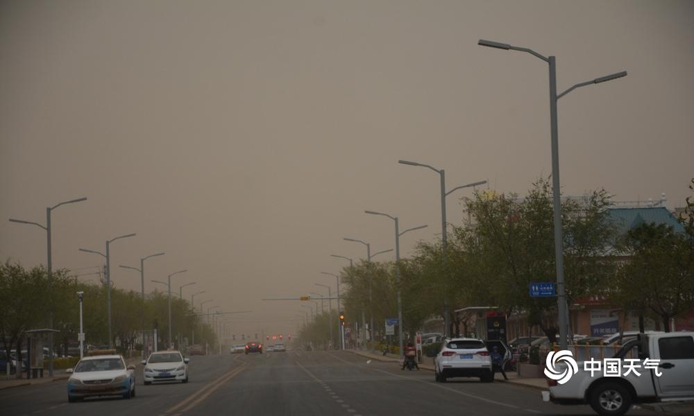 今年最强沙尘暴!内蒙古二连浩特黄沙漫天