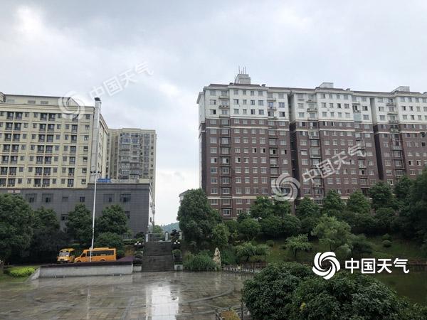 湖南强降雨中迎高考首日 长沙株洲等局地有有暴雨