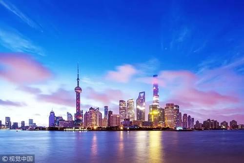 报道称,如果中国真的损失了15万亿到20万亿美元,那它早就退出世界经济的舞台了。