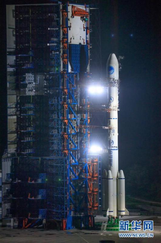 6月25日02时09分,我国在西昌卫星发射中心用长征三号乙运载火箭,成功发射第46颗北斗导航卫星。新华社发(郭文彬 摄)