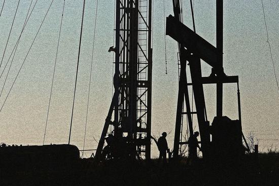 美油周二收跌3.3% 布油收跌3.2%