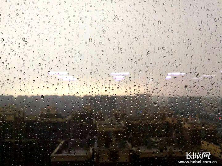 今日河北大部地区有中到大雨 局地暴雨 高温继续