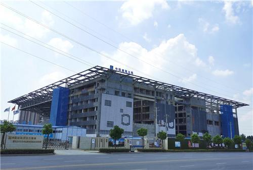 驻马店青少年宫科技馆钢结构工程顺利封顶