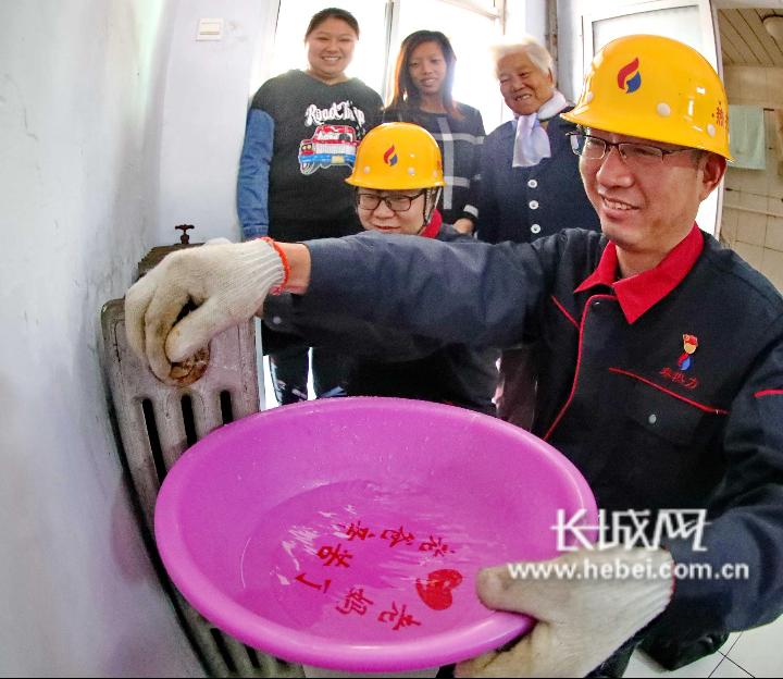 河北秦皇岛:志愿服务 保障供暖