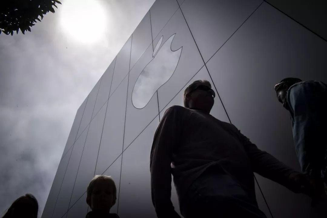 苹果起诉前芯片首席架构师创业违
