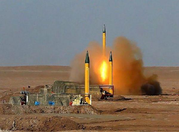 """原料图片:伊朗试射""""吉亚姆""""战术导弹。(伊朗国防部官网)"""