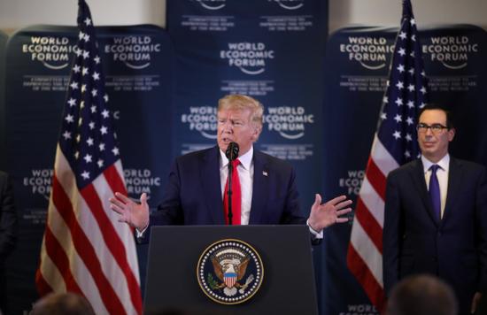 北京时间1月23日凌晨消息,唐纳德·特朗普对欧洲领导人提出警告,威胁说如果他们不愿意在美国大选前就贸易协议做出妥协,美国将对大西洋对岸的盟友采取惩罚行动。