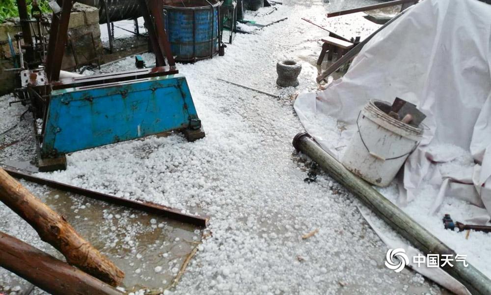 贵州22县市区遭遇冰雹袭击 最大冰雹如鸡蛋
