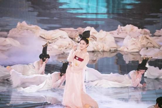 流量王C位!红星美凯龙天猫618超级晚荣登收视榜首霸屏社交平台