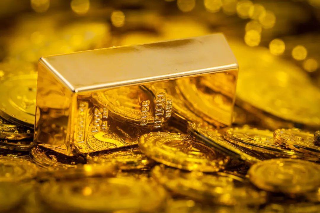 黄金投资火了!ETF连续8个月流入,现货却遭抛弃,什么逻辑?