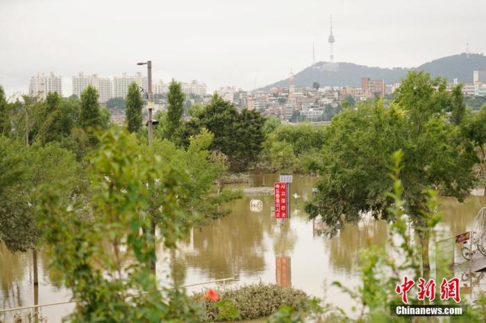 韩国暴雨持续11天已致超40人死伤 逾7500人受灾