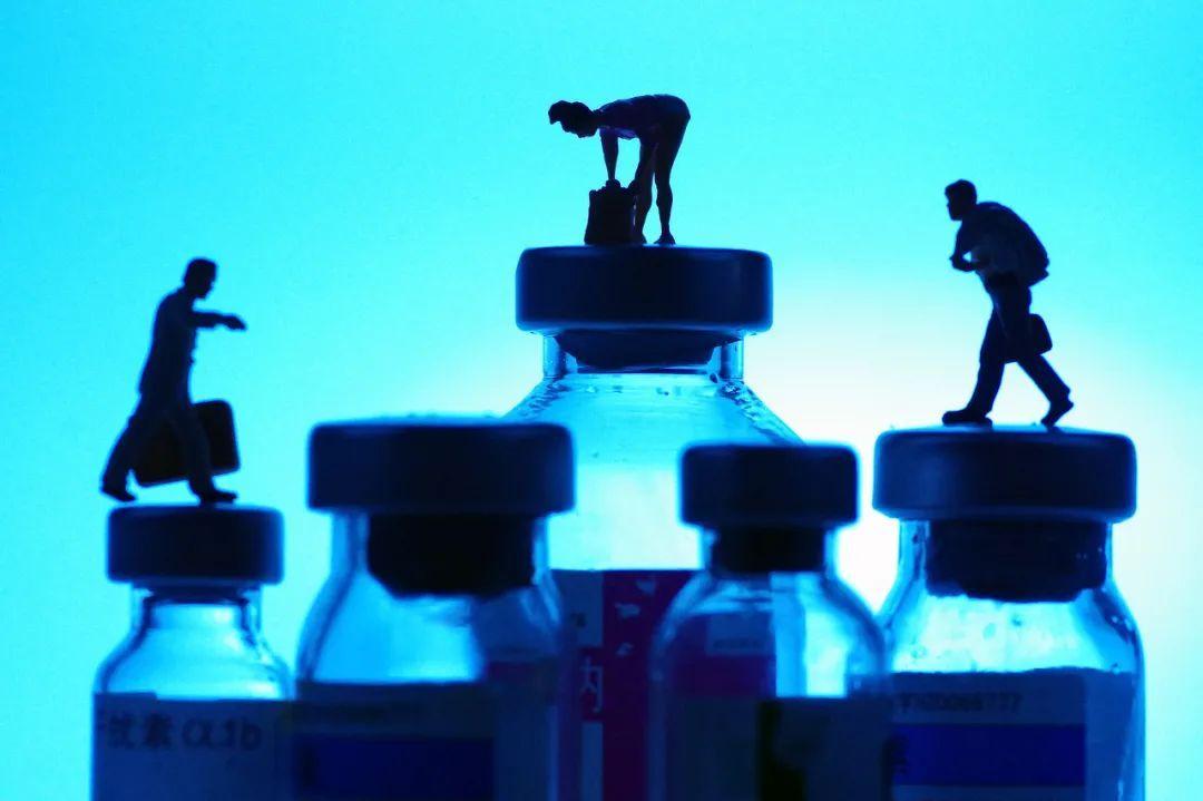 20国订购10亿剂俄疫苗,菲、塞总统愿率先接种,世卫组织希望审查俄新冠疫苗试验