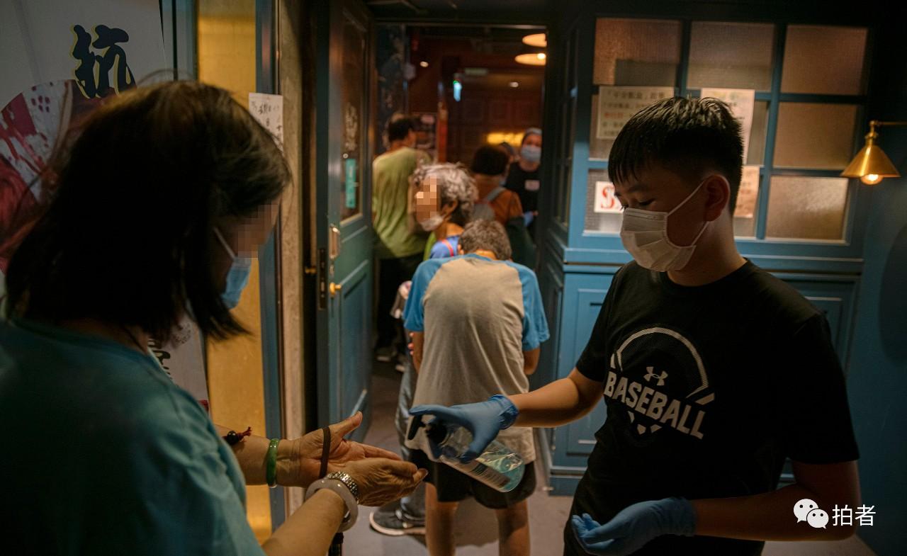 """送福饭的香港""""麦姑娘"""":希望越来越少人需要这份饭"""