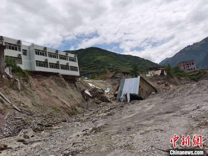 甘肃舟曲暴洪泥石流致176个村逾六万人受灾
