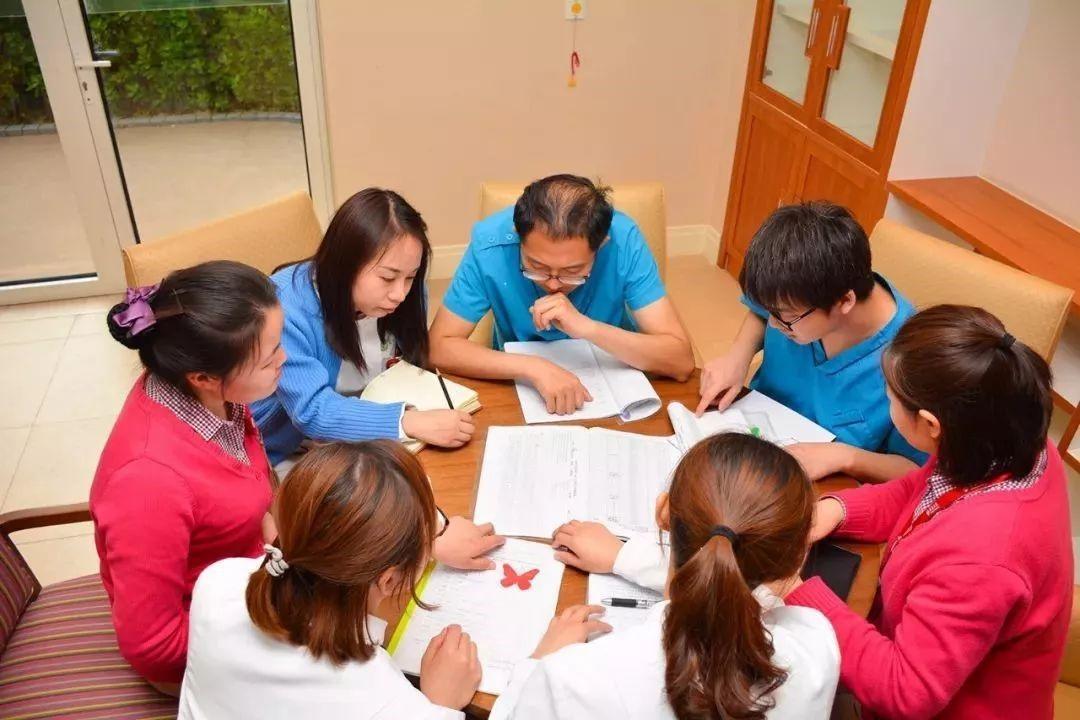 认知|专访中国老年护理联盟秘书长:阿尔茨海默症患者能感受到爱与被爱