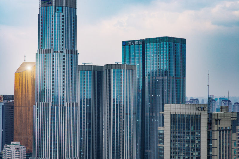 富力地产持续降杠杆,拟44.1亿元出售广州国际机场物流园70%股权