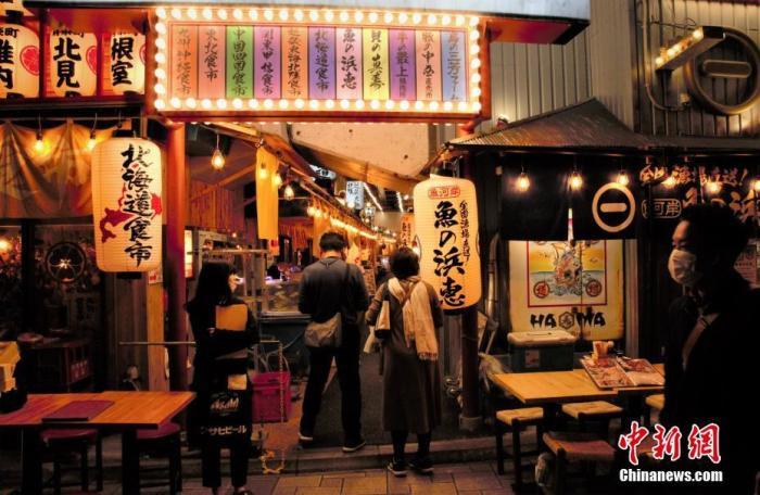日本民调:超过8成的受访者对新冠疫情感到不安