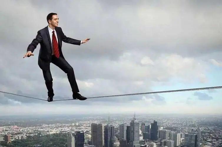 高负债有多可怕?开发商怼马光远:听你们的风险啥也干不成