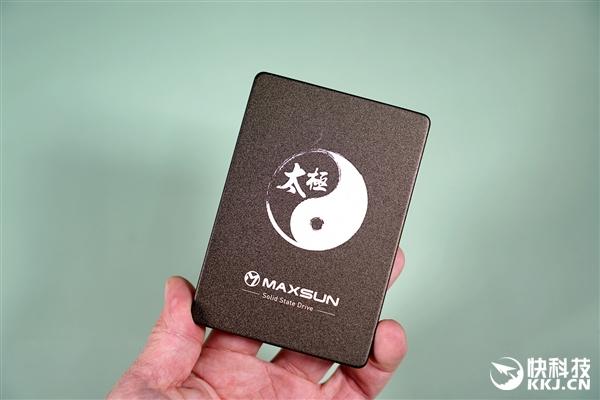 usdt不用实名(caibao.it):纯国产SSD 读取550MB/s 铭�太极512GB固态硬盘图赏