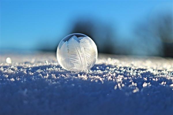今冬首个寒潮黄色预警发布:中东部大部降温超8℃