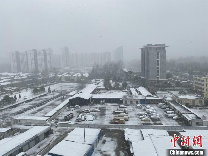"""""""霸王级""""寒潮来袭 江苏多地飞雪最低温度将达-12℃"""