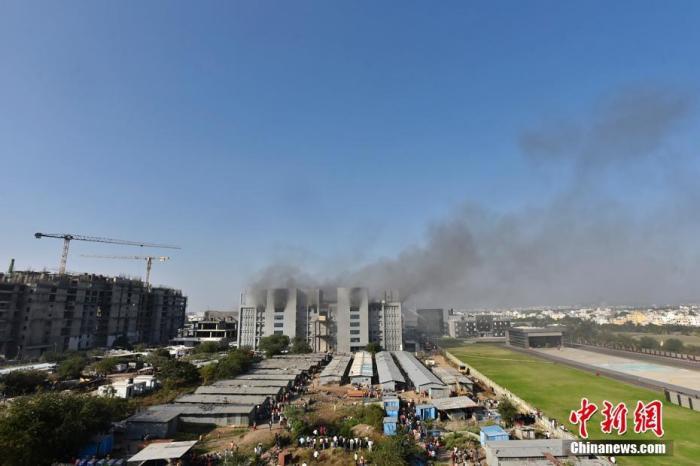 印度血清研究所发生火灾致5人死亡 总理莫迪发文哀悼
