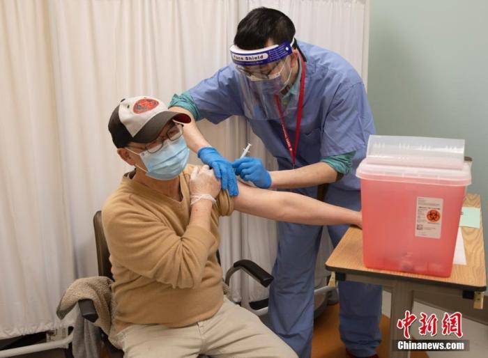 美国新冠死亡人数超49万人儿童感染新冠病例数超300万人