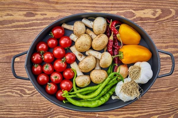 男子吃过年剩菜结果酸中毒:不幸身亡