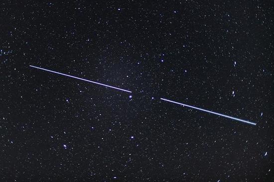 SpaceX和OneWeb卫星险些相撞仅相距50多米
