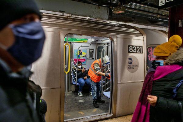 纽约地铁清洁工:我们是隐形人
