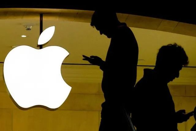 小摩认为美国税率调整对苹果盈利构成不利影响;Wedbush认为Facebook面临最大隐私风险