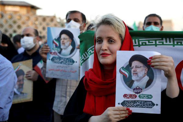 有人欢喜有人忧 外媒:伊朗强硬派胜选引发不同反应