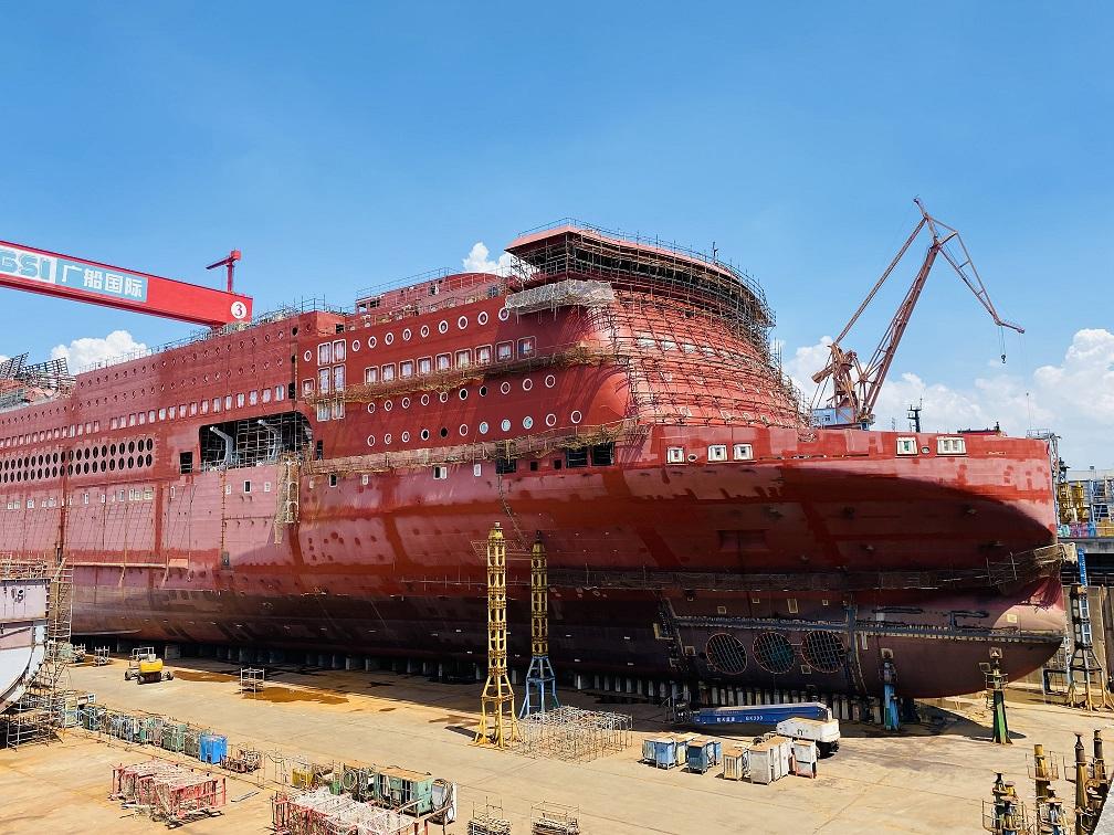 """海运疯涨,订单排到2025年,船企却直呼太难了!记者实探""""火""""了的造船厂"""